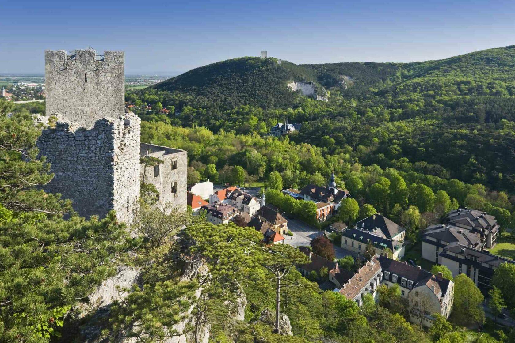 Österreich, Niederösterreich, Baden bei Wien, Thermenregion, Helental, Ruine, Rauhenstein, Rauheneck, Burg, Aussicht