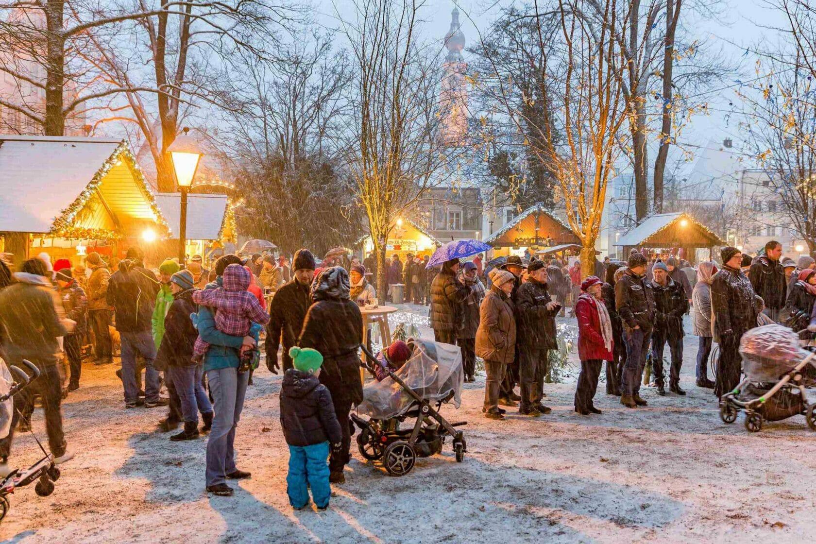 Christkindlmarkt im Palmpark in Braunau